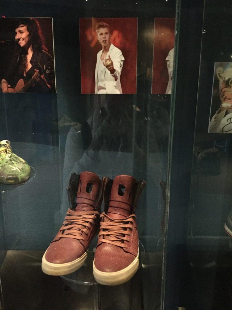 トロント バータ靴博物館 ジャスティンビーバー