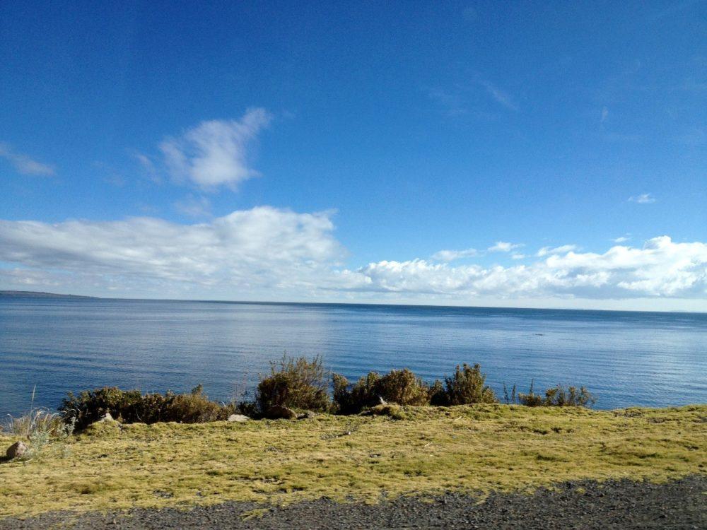 ルー チチカカ湖 湖岸