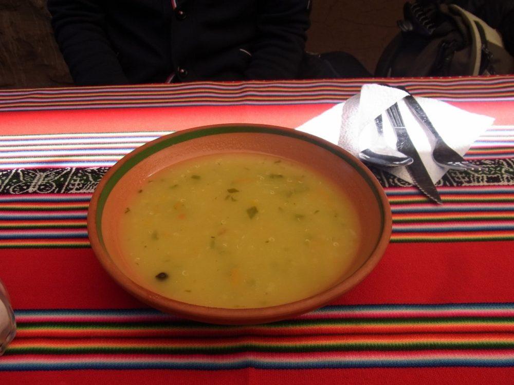 ペルー料理 チチカカ湖 キアヌスープ