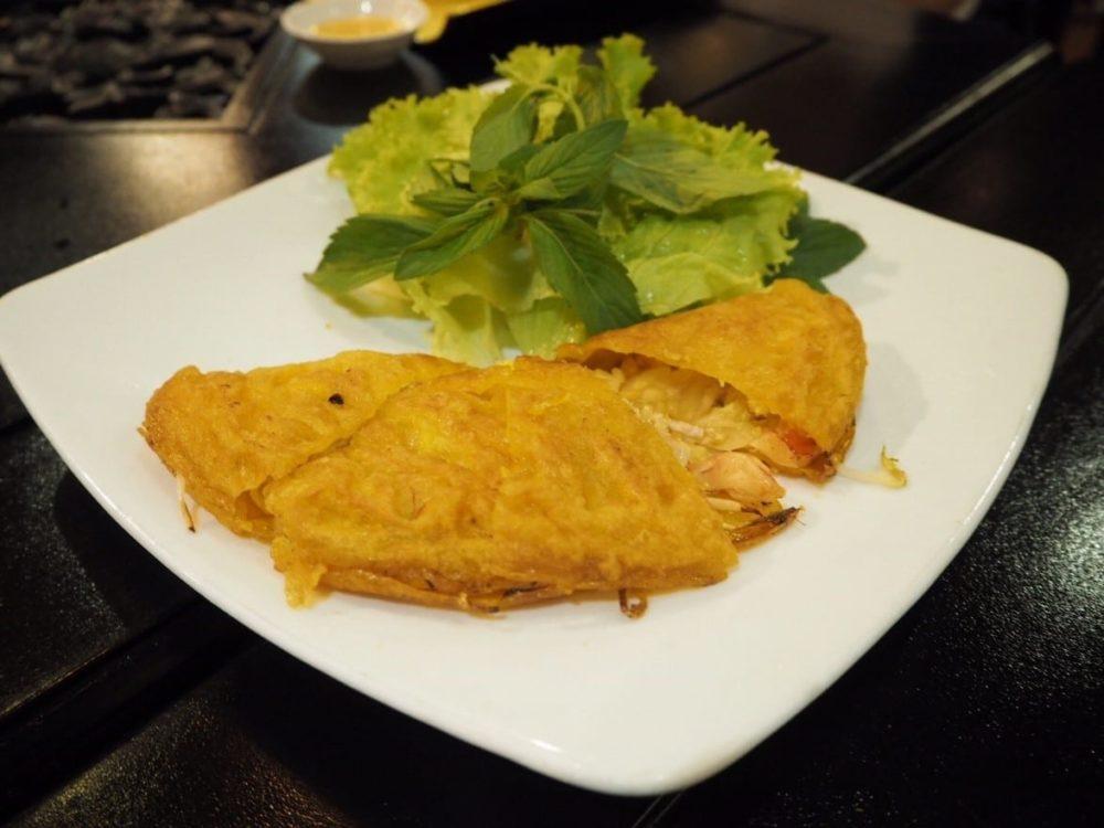 ベトナム料理 バインセオ お好み焼き