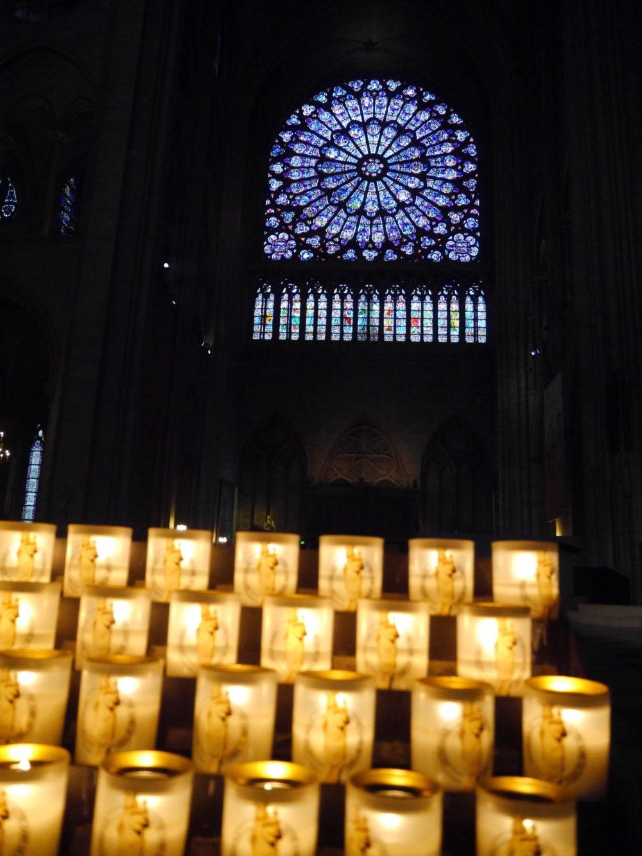 パリ ノートルダム大聖堂 ステンドグラス