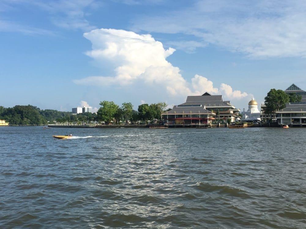 ブルネイ カンポンアイール 水上タクシー