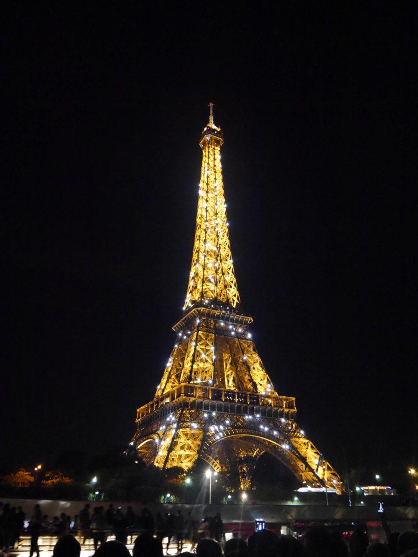 パリ エッフェル塔 夜