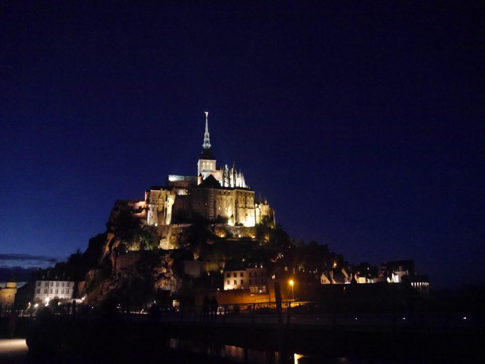 フランス モンサンミッシェル ライトアップ
