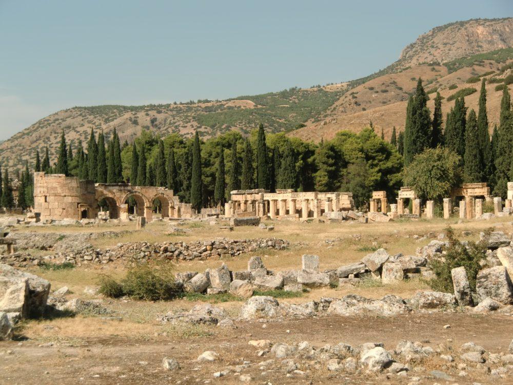 トルコ パムッカレ ヒエラポリス遺跡