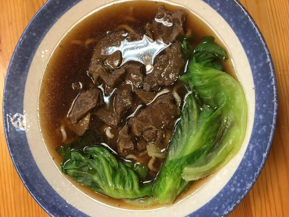 台湾 グルメ 牛肉麺